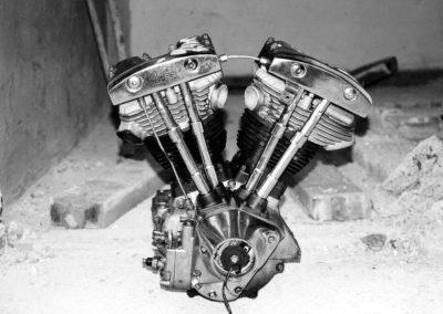 Motor čeká na rekonstrukci dílny